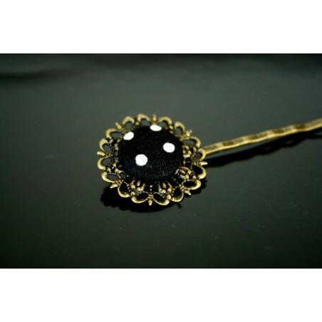 Barrette à cheveux fleur et bouton à pois