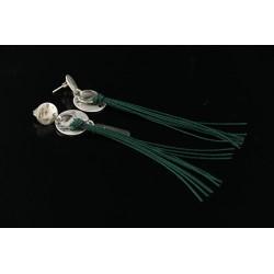 Boucles d'oreille longues pompons Noëlie vert sapin